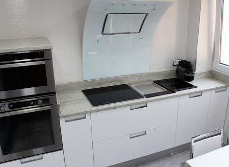 mobiliario de cocina blanco