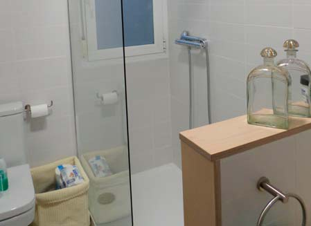 mueble de baño madera para ducha